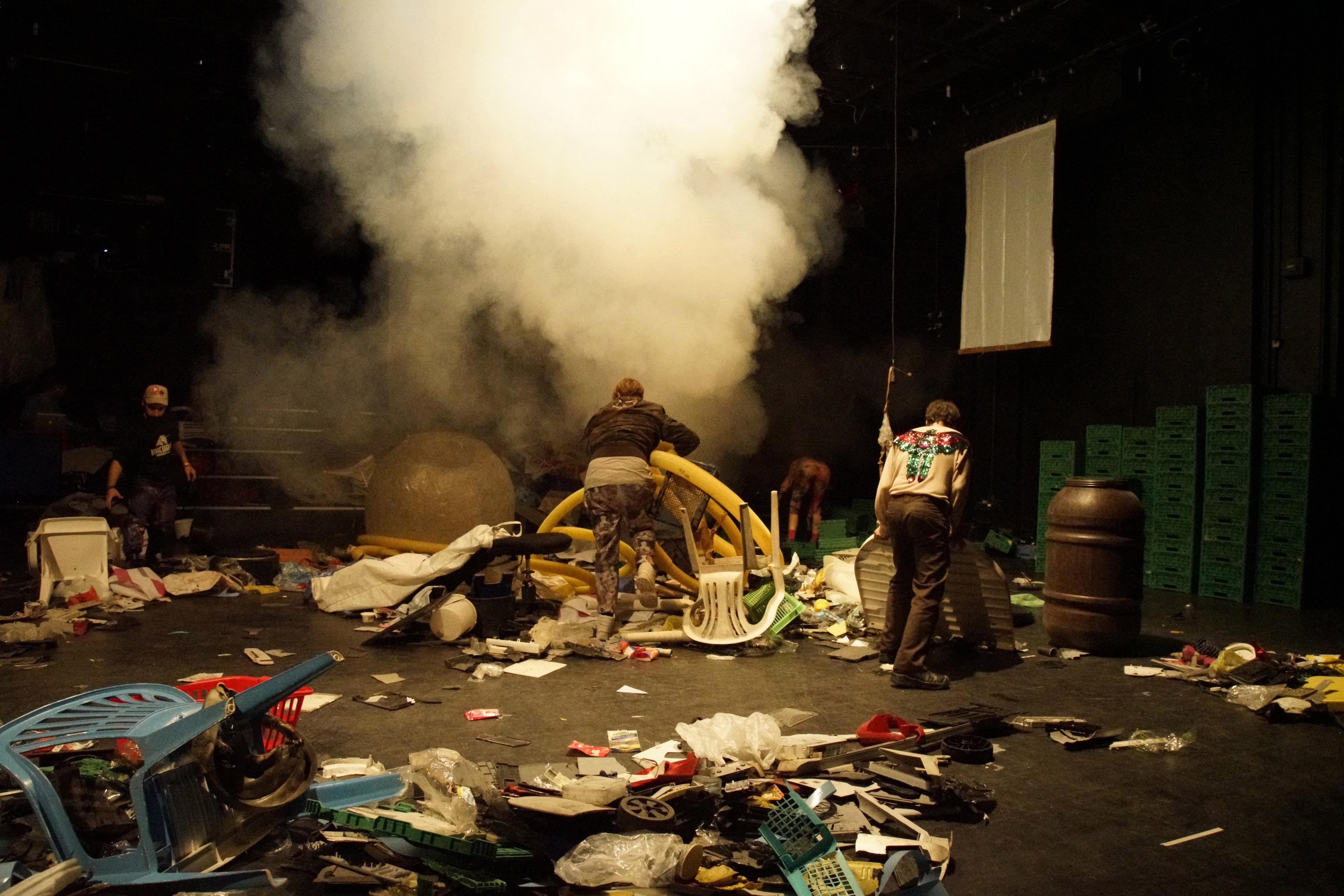 :-Oz (3D-Plastik-Biohypermedia-Theater)