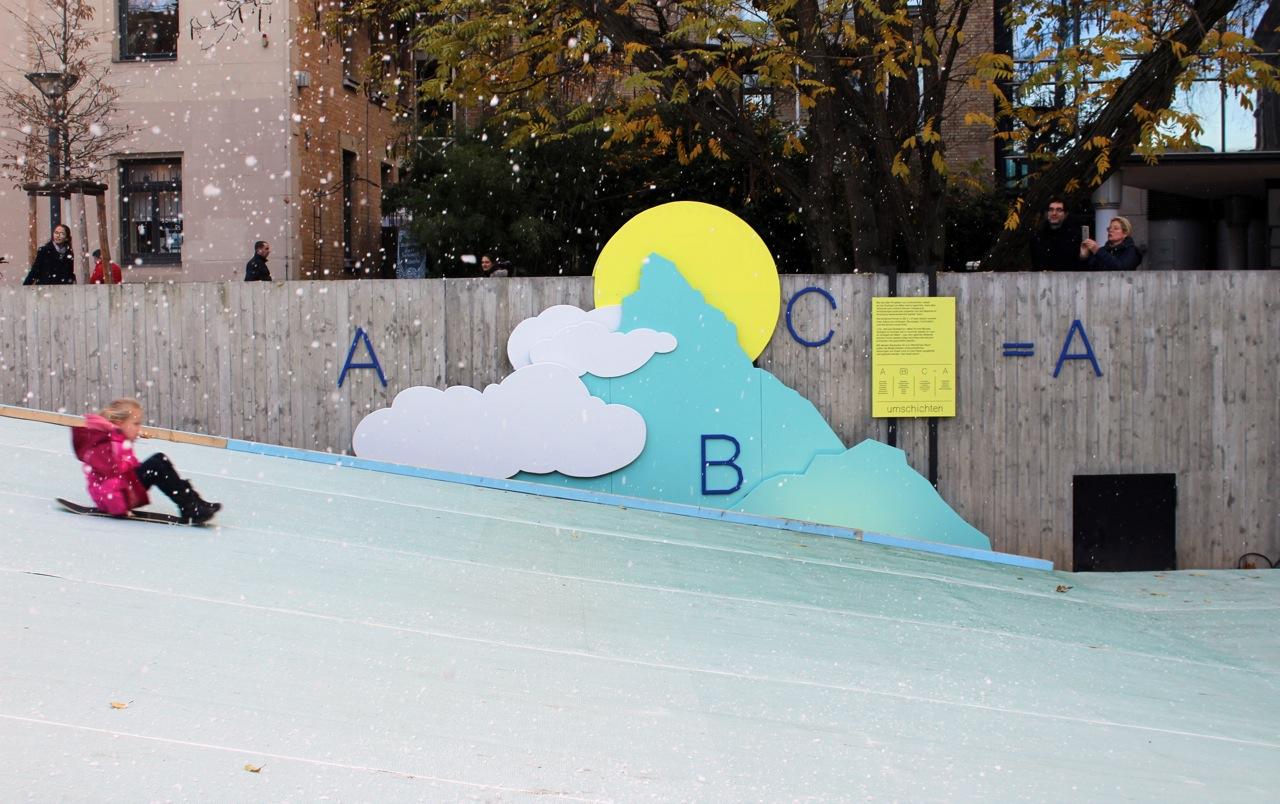 Stuttgart im Schnee - urbane Winterinstallation